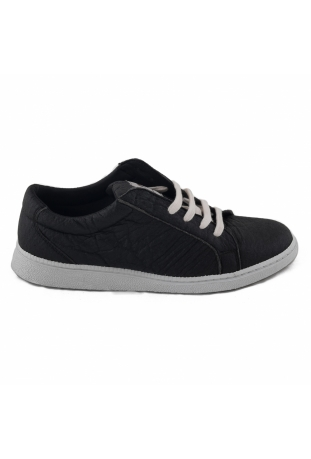 BASIC BLACK SNEAKERS PINATEX™