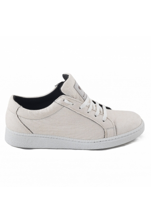 BASIC WHITE SNEAKERS PINATEX™